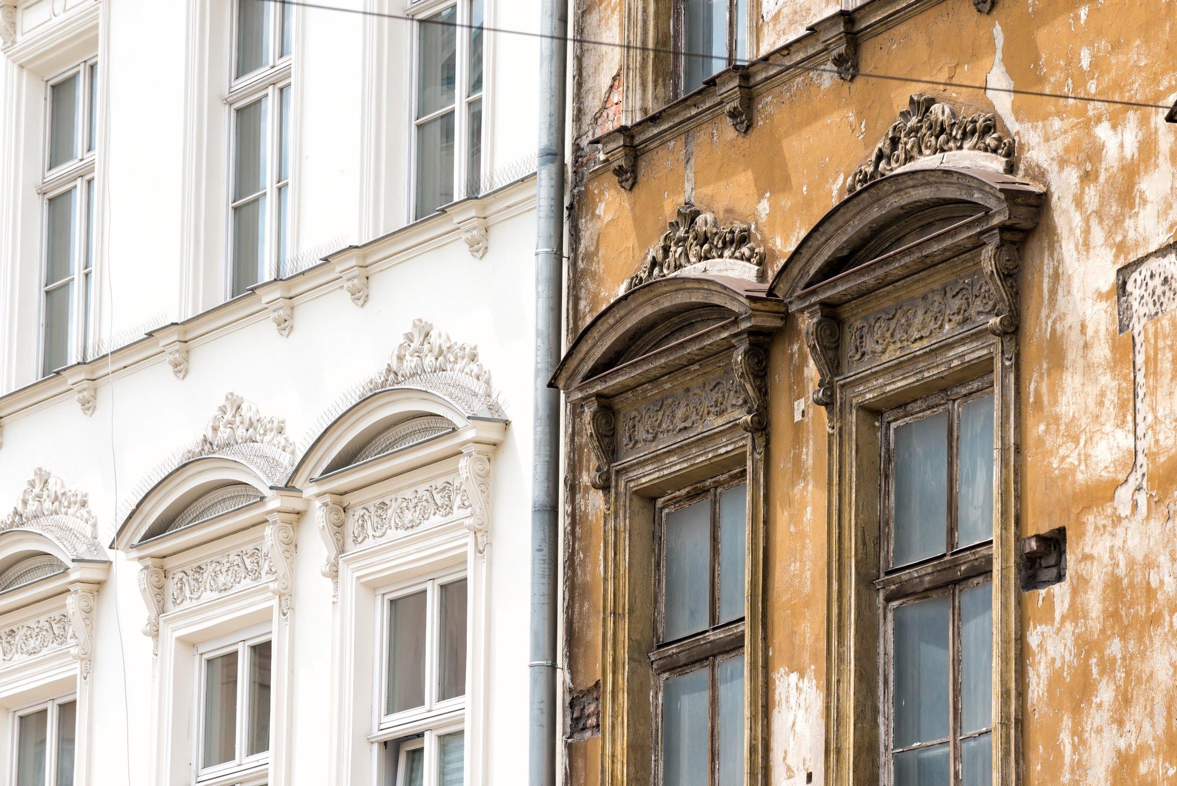 Presencia de humedades estructurales en edificios.