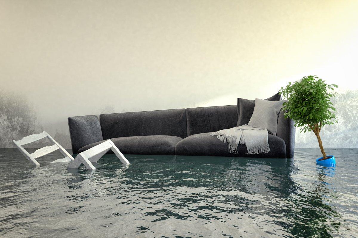 Überschwemmtes Wohnzimmer - Wasserschaden - Hochwasser