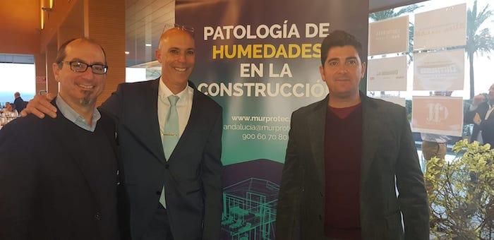 De izqda. A dcha. Juan Federico Gallardo, director de Murprotec en Andalucía Occidental; Francisco José Márquez, presidente de FEGADI y Javier Maestre, técnico de Murprotec.