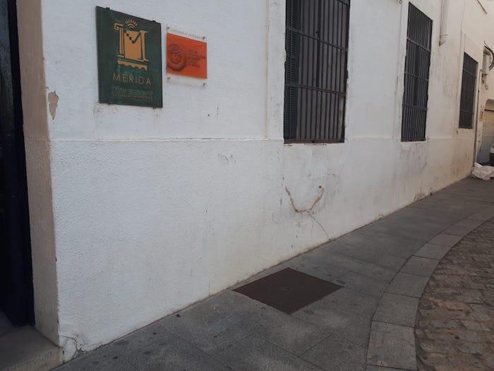 Estado de la fachada de la sede oficial del Festival Internacional de Teatro Clásico de Mérida.