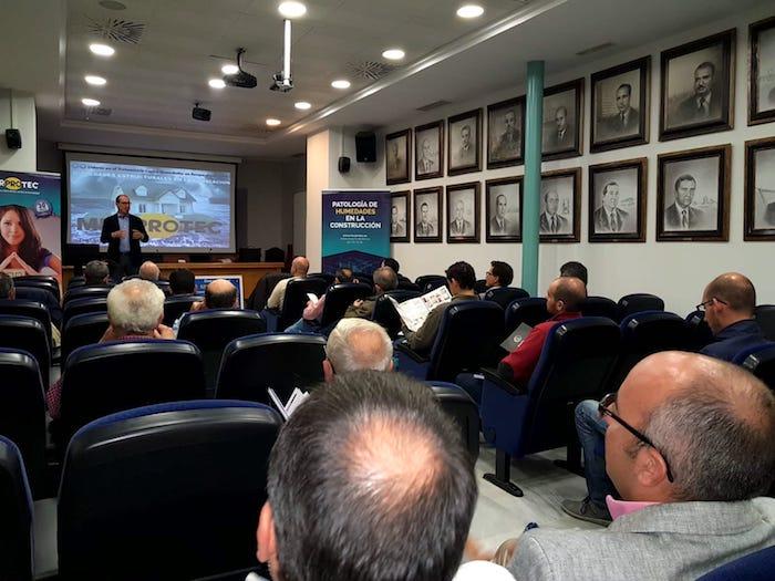 Juan Federico Gallardo impartiendo la formación en la sede de COPITISE.