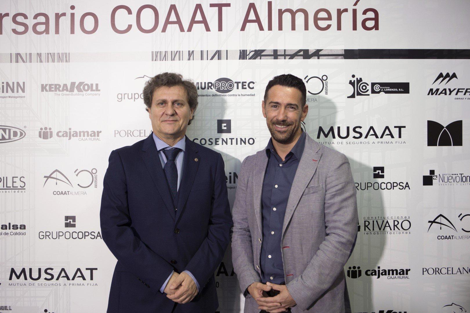 Manuel Martínez, director de Murprotec con el presidente del COAAT-AL, Jesús Lara Crespo.