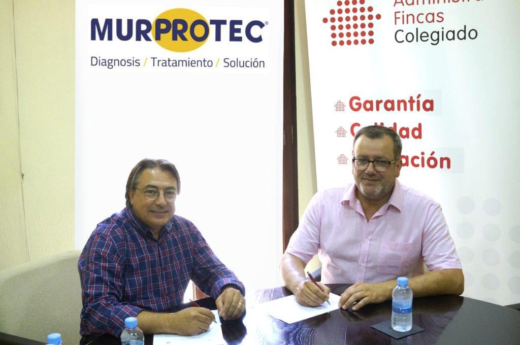 Momento de la firma del convenio entre el Colegio de Administradores de Fincas de Alicante y Murprotec.
