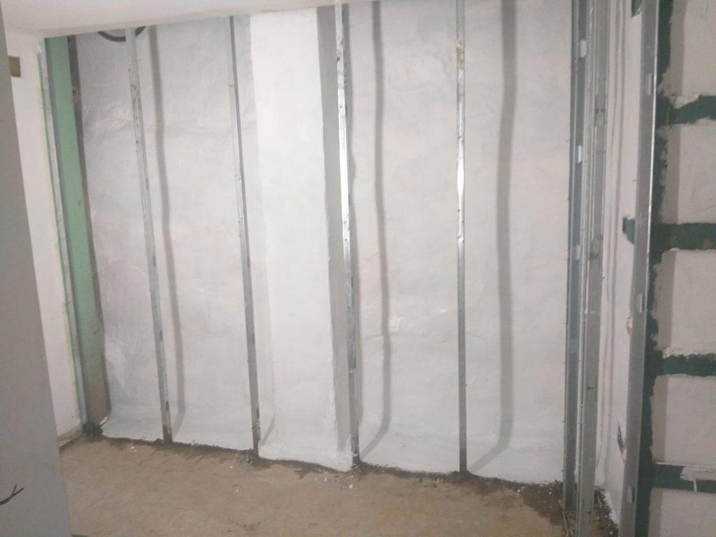 Pared del sótano tras ser tratada con el sistema de encubado de Murprotec