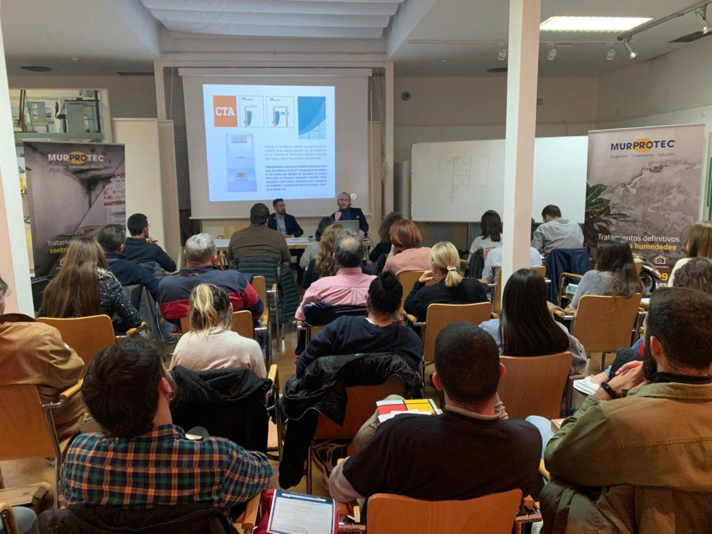 Ricardo Cañada y Manuel Martínez, durante la jornada técnica en el Colegio de Arquitectos de Almería