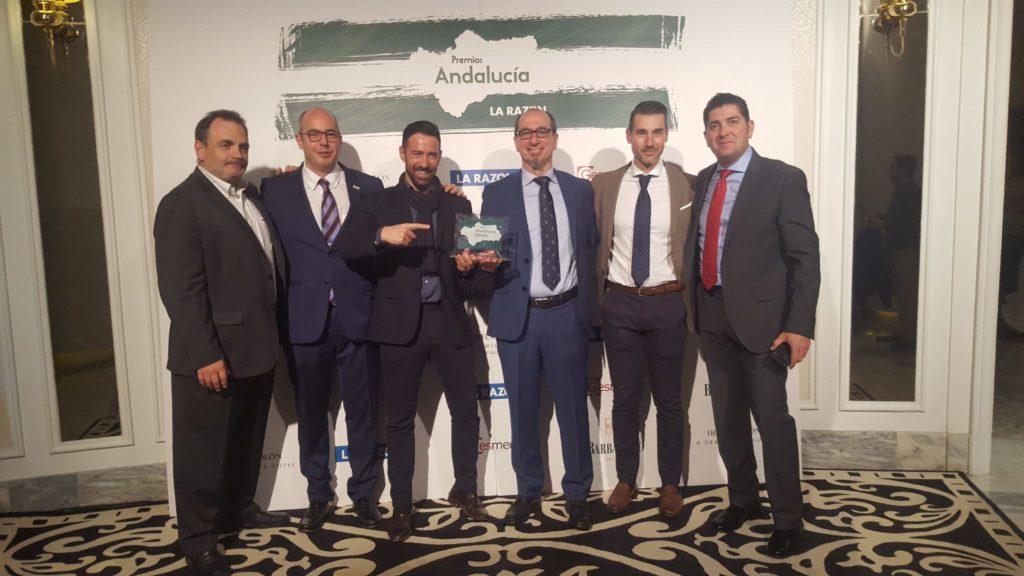 Parte del equipo de Murprotec Andalucía celebrando el premio.