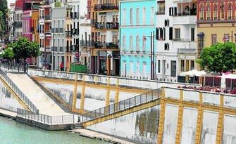 Polémicas soluciones contra la humedad en Triana Sevilla